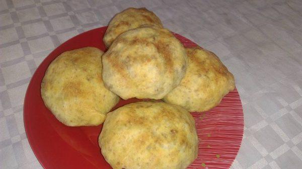 Хлебчета с кайма и зеле