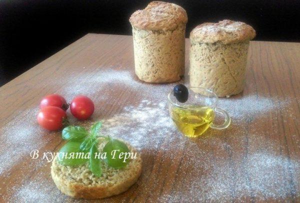 Хляб в тенекиени кутии