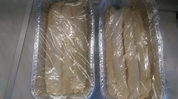 Подреждам ги в намазнени форми и ги оставям да втасат за около 30-40 мин., след което пека в предварително загрята фурна на 180 градуса за около 40 мин.